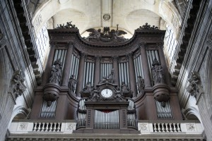 Paris_-_the_St_Sulpice_organ_view_from_the_main_nave