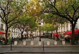 Place du Marché Sainte Catherine, la bolla di tranquillità, nel quartiere movimentato di Le Marais